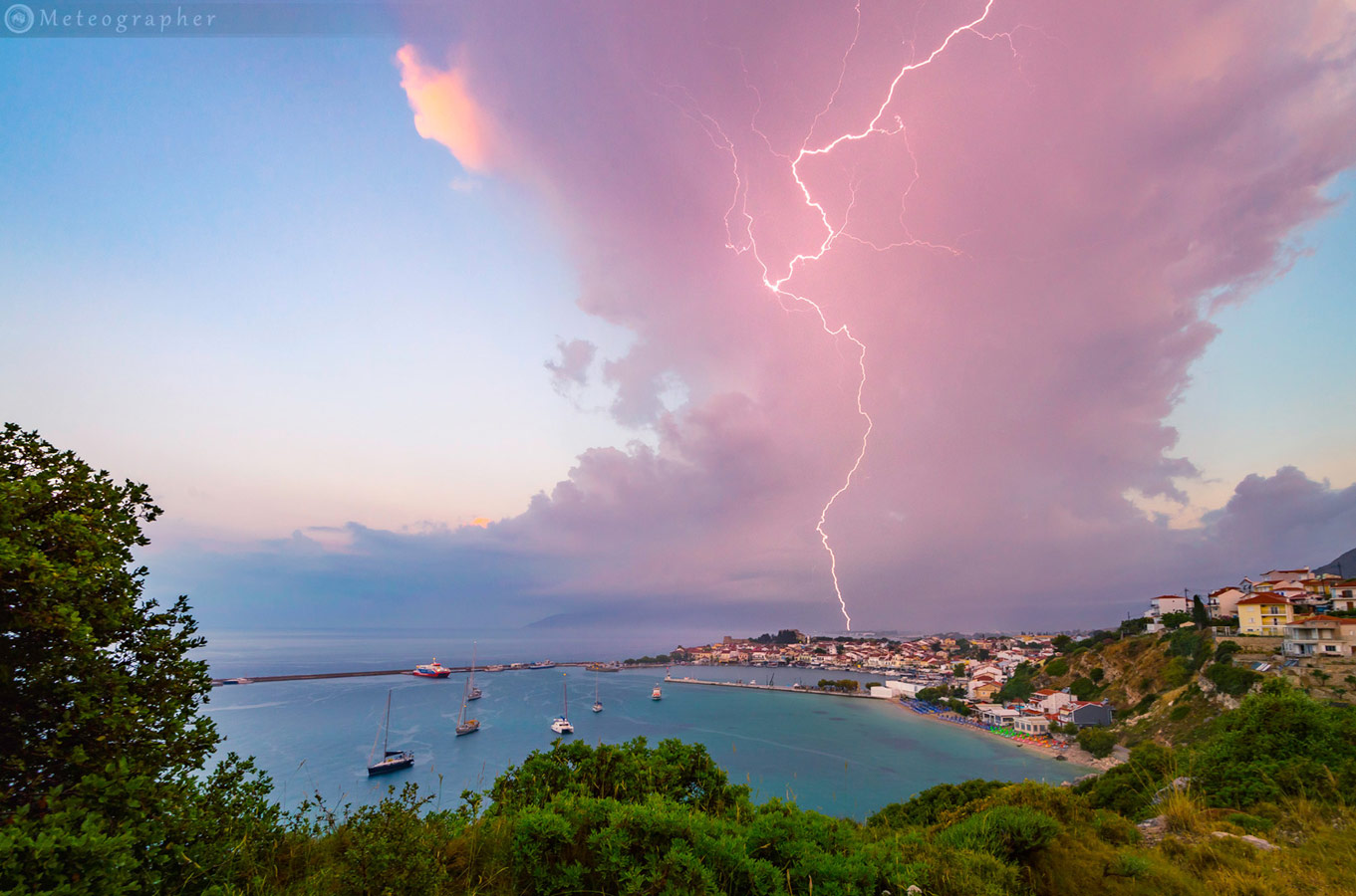 © Manolis Thravalos, Weather Photographer of the Year
