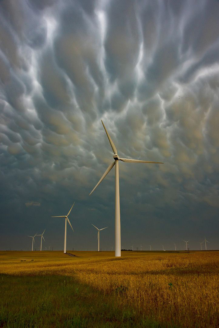 Mammatus and Windmills, © Tina Wright, Weather Photographer of the Year