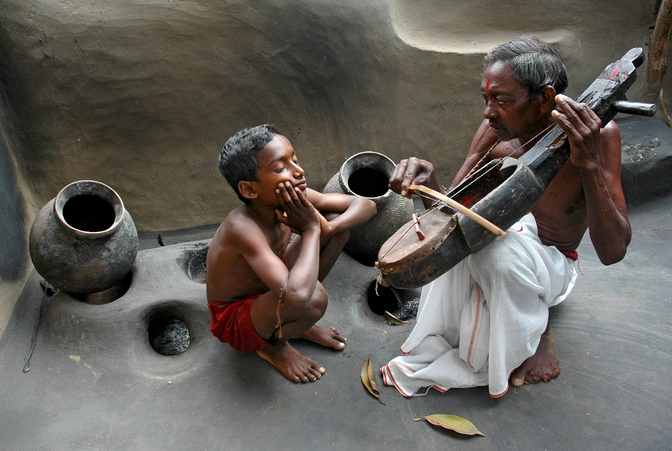 Melody for Means, © Somenath Mukhopadhyay, India, Grand Prize Winner, World Wood Day Photo Contest