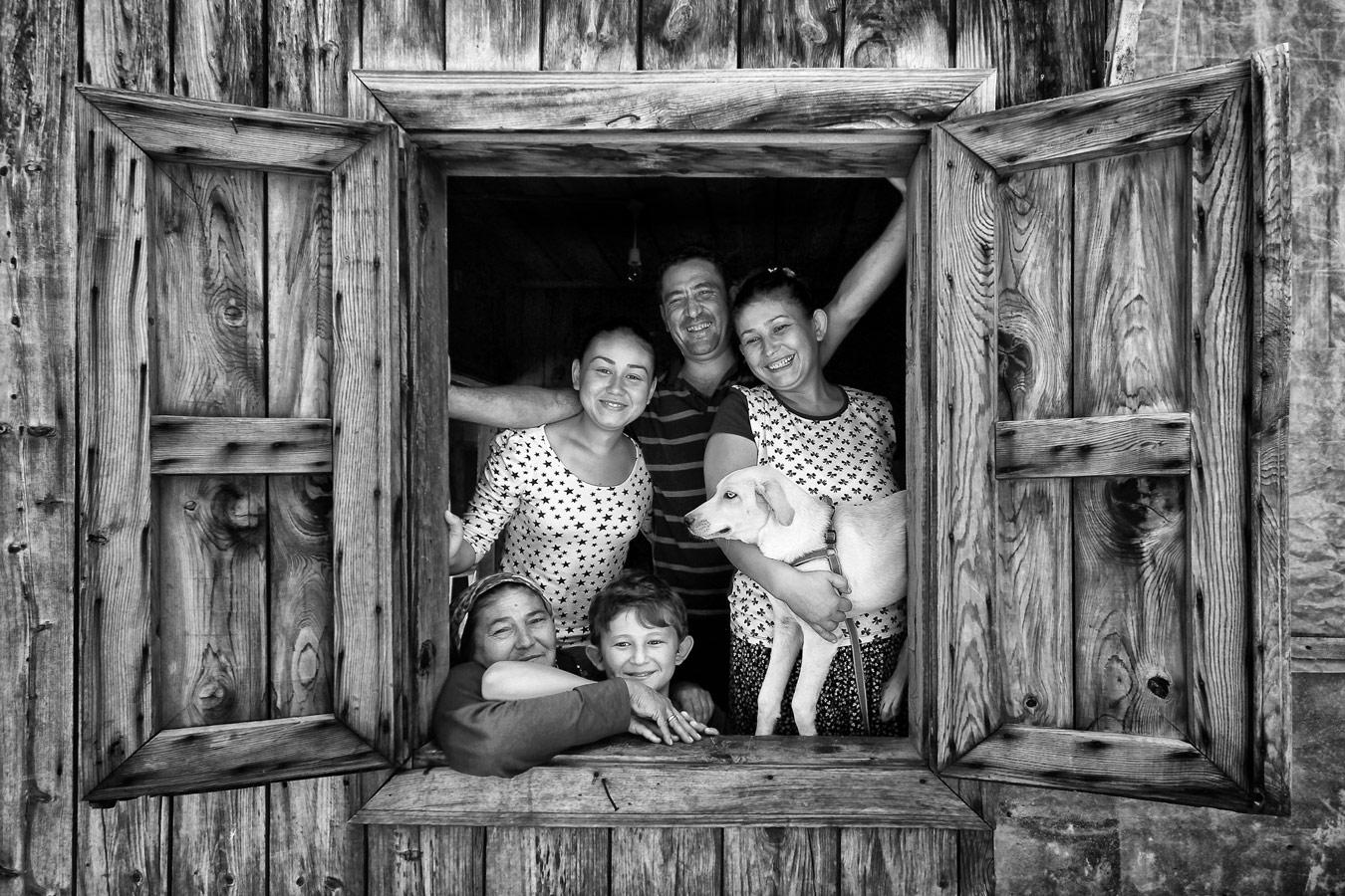 Family, © Leyla Emektar, Turkey, 1st Place, World Wood Day Photo Contest