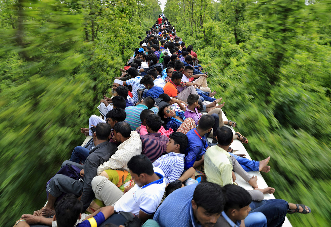 An Overcrowded Train Journey, © Noor Ahmed Gelal, Dhaka, Bangladesh, Professional : Spontaneous Moments, World In Focus - The Ultimate Travel Photography Competition