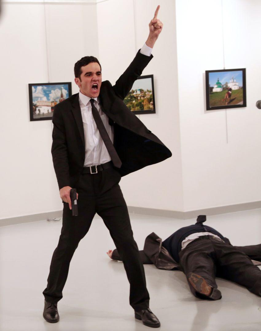 An Assassination in Turkey, Burhan Ozbilici, Turkey, The World Press Photo Contest | World Press Photo
