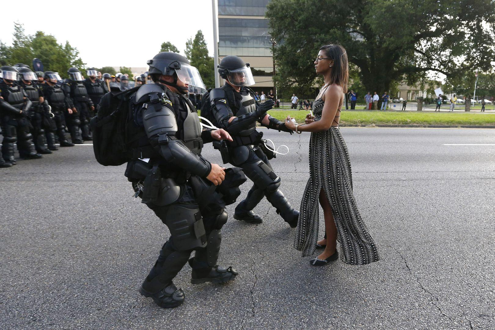 Taking A Stand In Baton Rouge, Jonathan Bachman, USA, The World Press Photo Contest