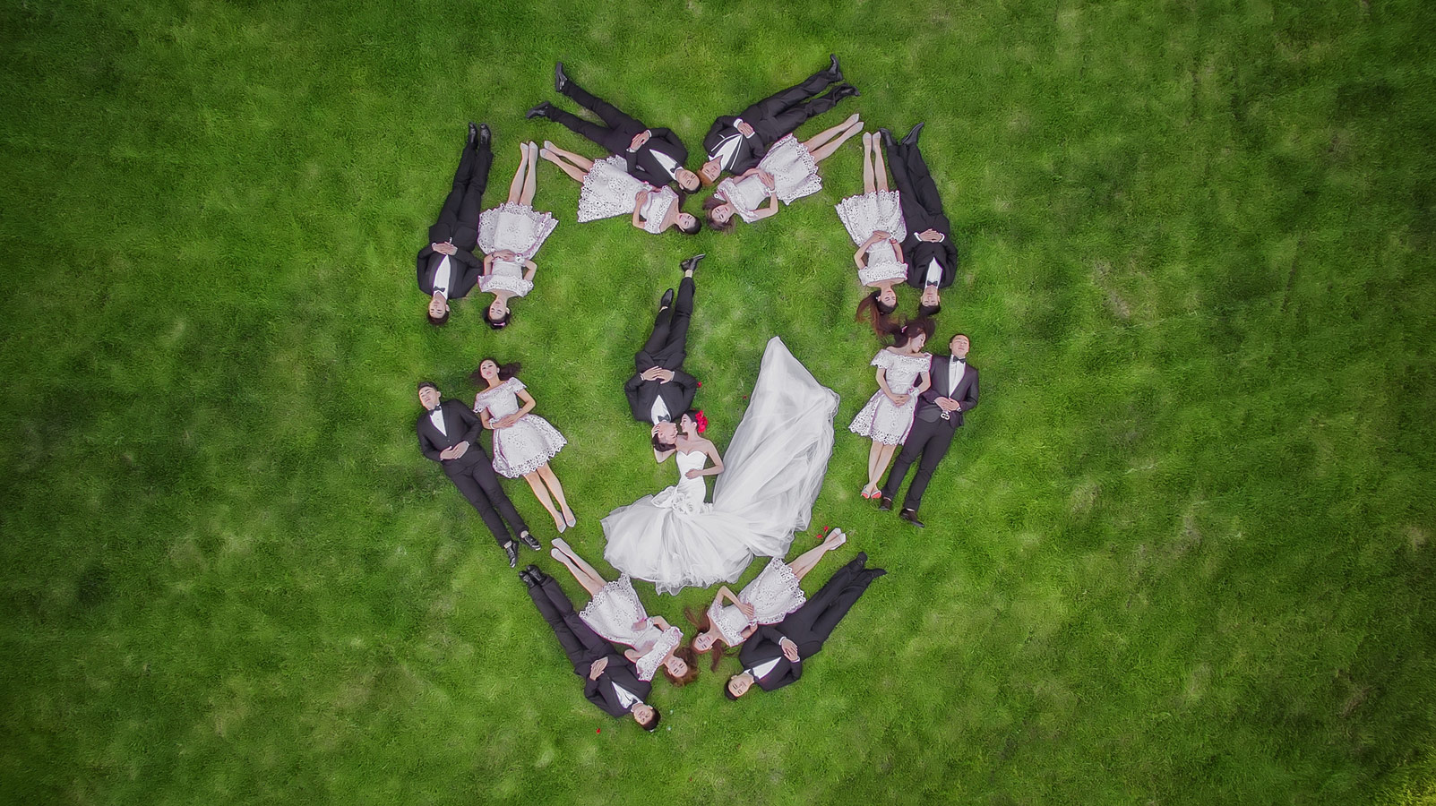 Lei Liu, First Place : Wedding Division - Bridal Party / Family and Friends, 2017 WPPI First Half Competition